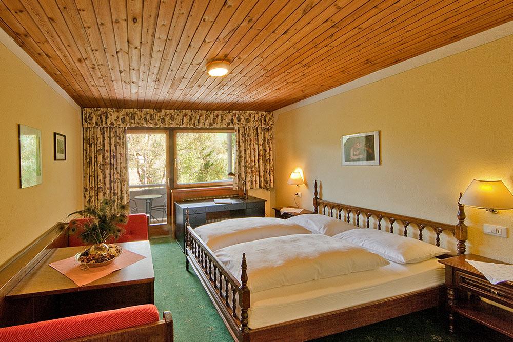 zimmer-ahrntal-hotel-camere-valle-aurina-rooms-tiroler-adler